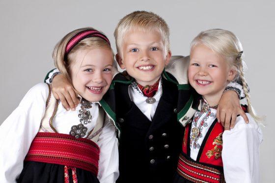 Almankås beltestakk, Øst-Telemarksbunad gutt og jente