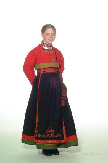 Almankås Øst-Telemark jentebunad