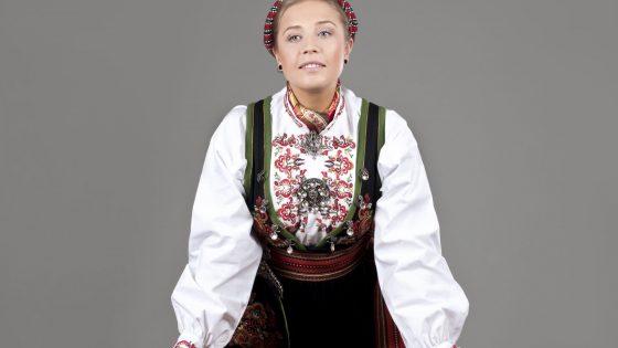 Almankås Øst-Telemarksbunad dame
