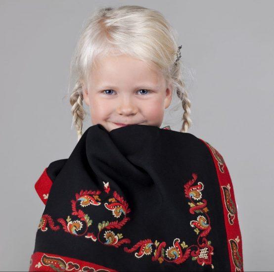 Almankås Øst-Telemarksbunad forkle jente